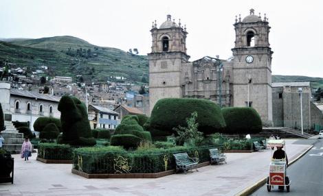 Puno: Plaza de Armas - Kathedrale (2005)