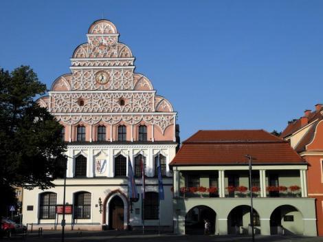 Stargard [poln. Stargard Szczecinski]: Rathaus und Alte Wache (2012)