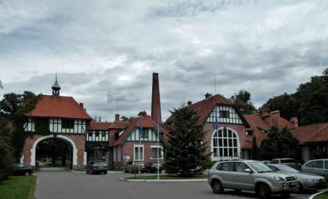 Cadinen [poln. Kadyny]: Torhaus (2012)