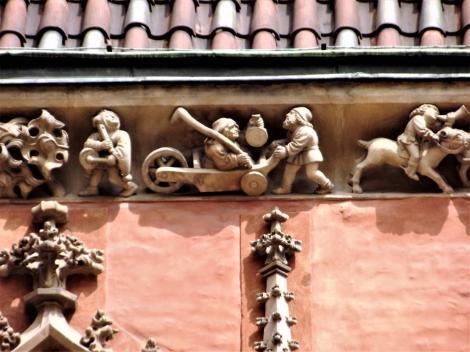 Rathaus: Fries an der Südfassade (2014)