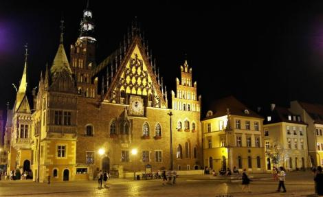 Rathaus am Abend (2014)