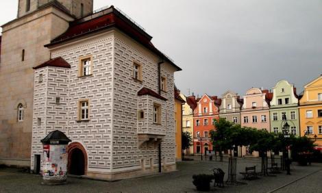 Bunzlau [poln. Bolesławiec]: Rathaus und Ring (2014)