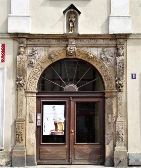 """Schweidnitz [poln. Swidnica]: Ring - Haus """"Zum goldenen Mann"""" (2014)"""