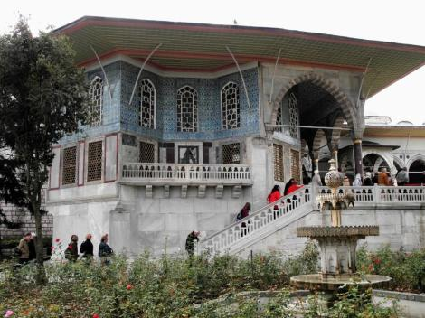 4. Hof: Revan-Pavillon [Eriwan-Pavillon] (2014)