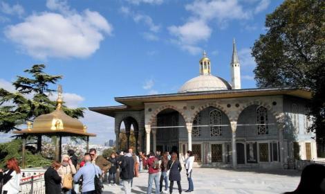 4. Hof: Iftariye-Baldachin und Bagdad-Pavillon (2014)