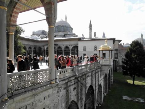4. Hof: Bagdad- und Revan [Eriwan]-Pavillon sowie Iftariye-Baldachin (2014)