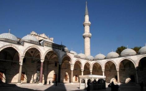 Süleyman-Moschee: Hof (2014)
