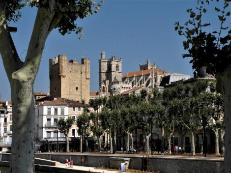 Narbonne: Blick zu Bischofspalast und Kathedrale (2013)