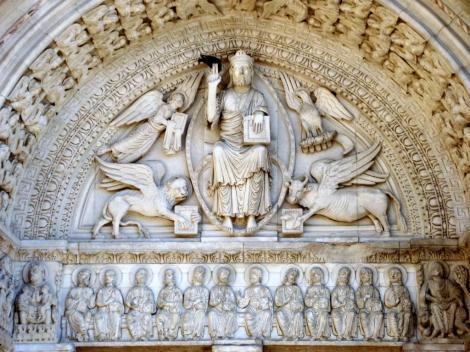 Arles: St. Trophime - Portal [Jesus mit Evangelistensymbolen, darunter Engelreigen] (2013)