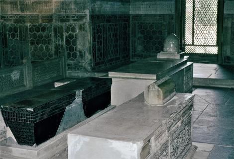 Samarkand: Gur Emir [Mausoleum von Timur Lenk] - vorne rechts Timurs Sarkophag (1984)