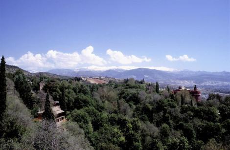 Alhambra: Blick vom Waffenturm der Alcazaba zur Sierra Nevada (1986)