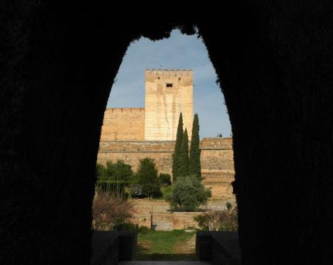 Alhambra: Blick aus dem Machucahof zur Alcazaba (2018)