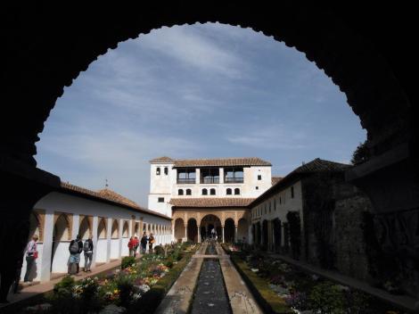 Generalife: Hof des Wasserkanals - Blick zum Nordpavillon (2018)