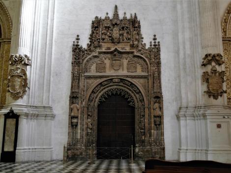Kathedrale: Portal zur Königlichen Kapelle [Capilla Real] (2018)