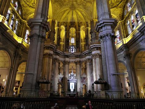 Kathedrale: Hauptaltar und Chorumgang (2018)