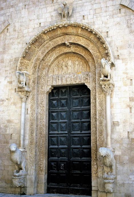 Bitonto: Hauptportal der Kathedrale (2001)
