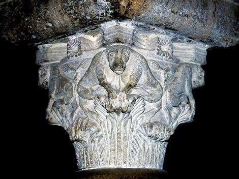 Bitonto: Kathedrale - Kapitell in der Krypta (2001)