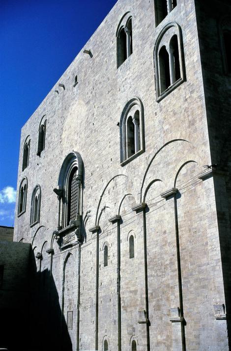 Apul140 Bari: San Nicola - Ostfassade (2001)
