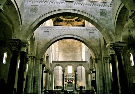 Bari: San Nicola (2001)