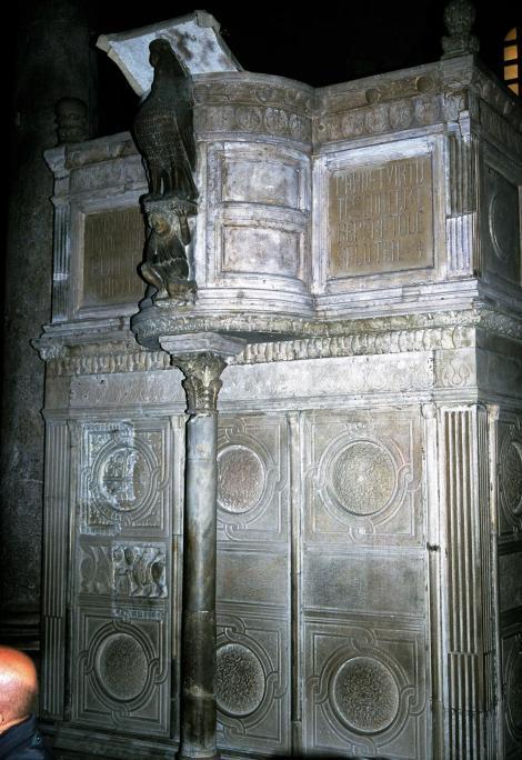 Bari: Kathedrale San Sabino - Kanzel (2001)