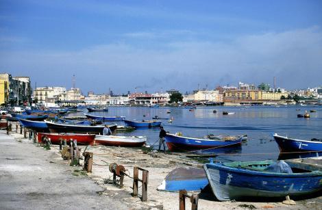 Tarent: Fischerhafen am Mare Piccolo (2001)