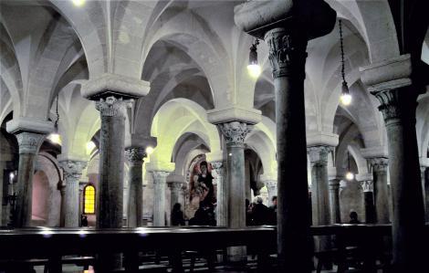 Apul272 Otranto Kathedrale Krypta (2001)