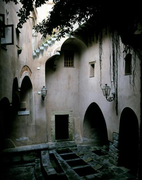Cefalu: Normannisches Waschhaus (1999)