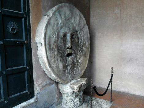 Sta. Maria in Cosmedin: Bocca della Verita [Mund der Wahrheit] (2013)