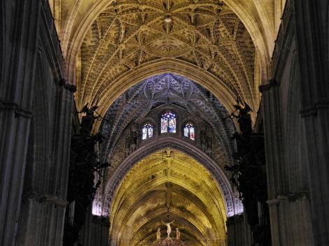 Kathedrale: Gewölbe mit Vierung (2018)