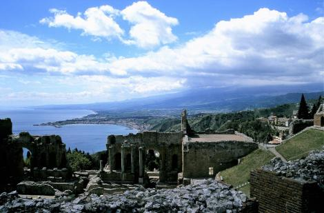 Taormina: Blick vom griechischen Theater zum Ätna (1999)