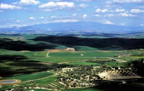 Blick zum Ätna nordwestlich von Caltagirone (1999)