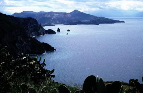 Blick von Lipari nach Vulcano (1999)