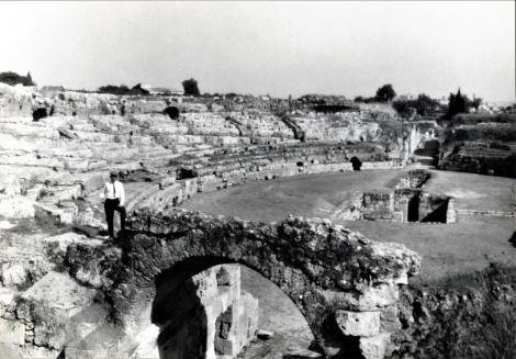 Syrakus: Römisches Amphitheater (Photo von Dr. Friedrich Fichtner 1927)