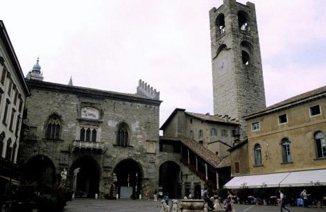 Bergamo: Palazzo della Ragione und Torre del Commune (2002)