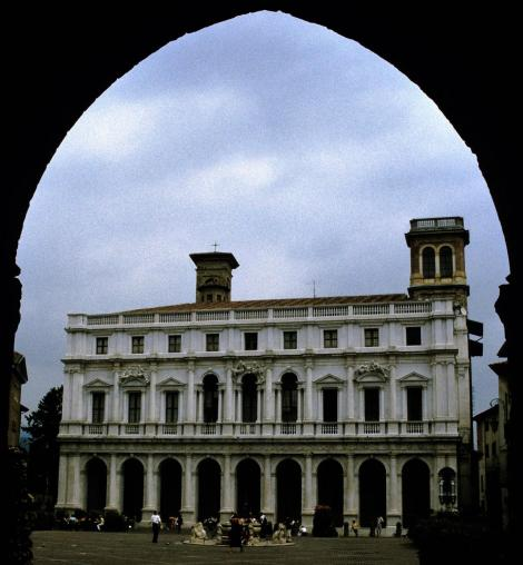 Bergamo: Biblioteca Civica (2002)