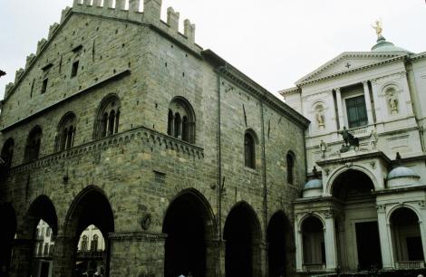 Bergamo: Palazzo della Ragione und Dom (2002)