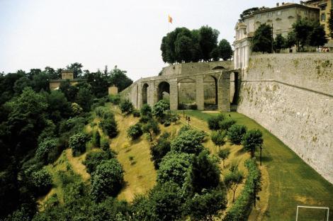 Bergamo: Befestigungsanlagen der Altstadt (2002)
