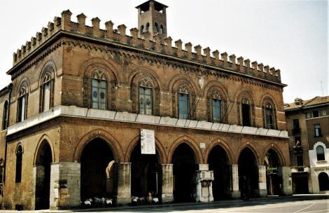 Cremona: Palazzo del Commune (2002)