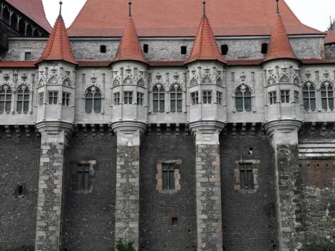 Eisenmarkt: Hunyadi-Burg - Palas (2018)
