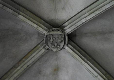 Eisenmarkt: Hunyadi-Burg - Schlussstein mit Anjou-Wappen im Rittersaal (2018)