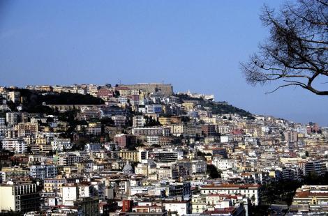 Neapel: Blick zum Castel Sant' Elmo (2000)