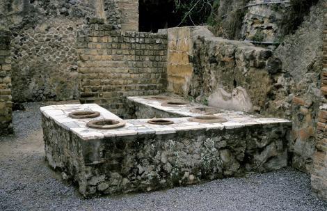 Herculaneum: Thermopolium (2000)