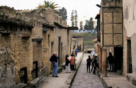 Herculaneum: Cardo IV (2000)