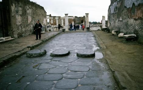 Pompeji: Straße zum Forum (2000)