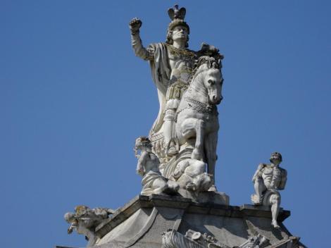 Karlsburg: Karlstor - Statue Kaiser Karls VI. (2018)