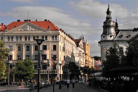 Klausenburg: Blick vom Hauptplatz in die Universitätsstraße, rechts Hotel Continental [früher Hotel New York] (2018)