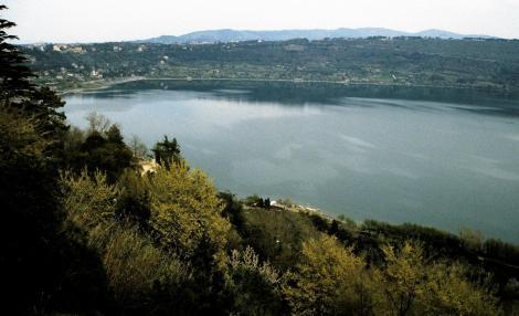 Castel Gandolfo: Blick auf den Albaner See (2002)