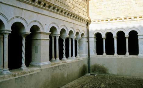 Subiaco: Scholastika-Kloster - Romanischer Kreuzgang (2002)