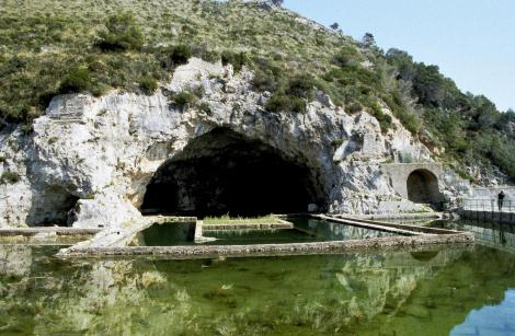 Sperlonga: Tiberius-Grotte (2002)