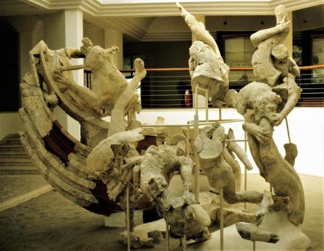 Sperlonga Archäologisches Museum - Skylla-Gruppe aus der Tiberius-Grotte (2002)